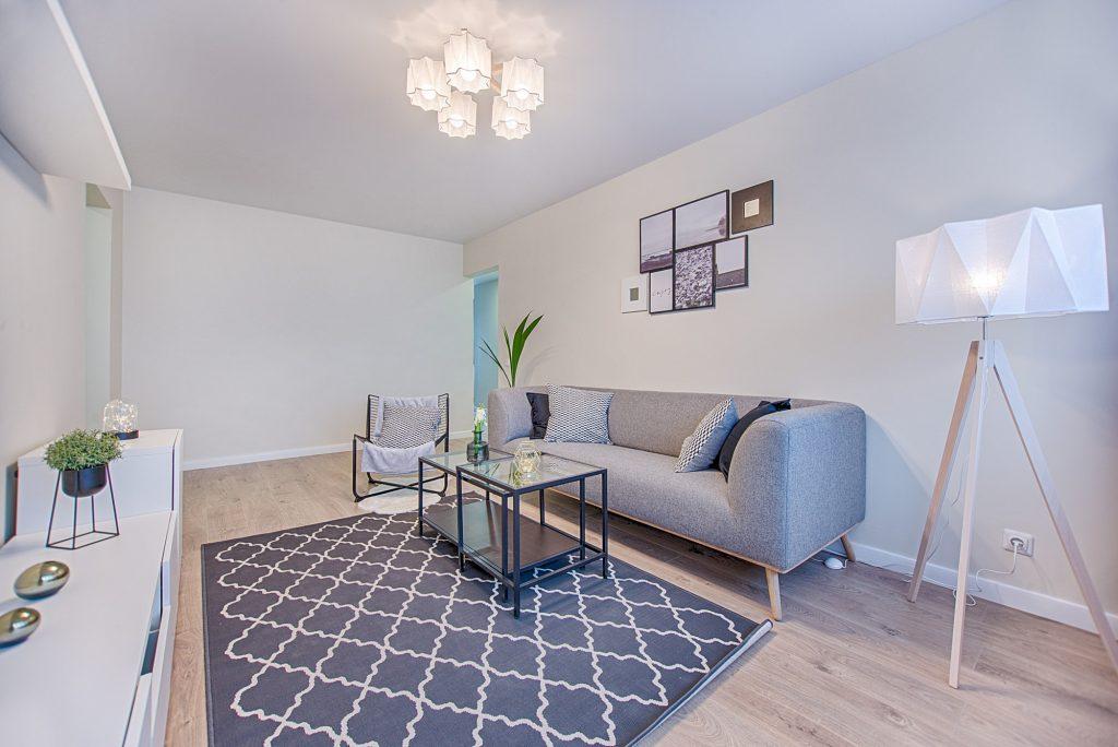 apartment-architecture-chair-1571468